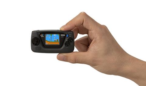 【発売開始】「ゲームギアミクロ」が冗談みたいな小ささでワロタ
